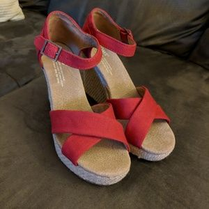 TOMS Sienna Wedge - Red Canvas (Size 6)
